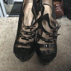 Wild diva bow heels