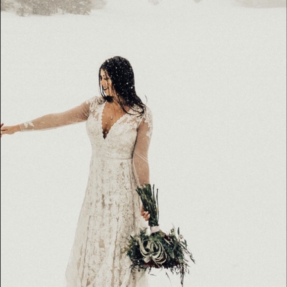 964f5fb8946d Melissa Sweet Linear Lace Wedding Gown. M 5a00945978b31c6ded12b385