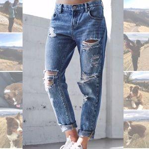 Bullhead Jeans - Distressed Boyfriend Jeans