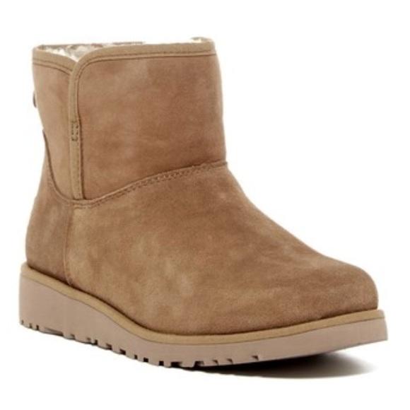 3d55bbce514 NWT ugg Australia katalina girls boots Sz 3 NWT