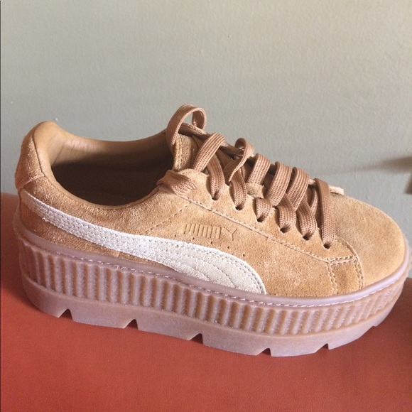 reputable site ab3d8 0a9ef Puma x Fenty cleated creeper suede golden brown NWT