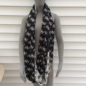 Guess wrap around eternity scarf new with tags