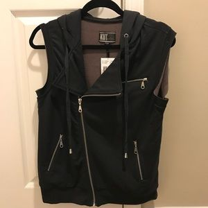 Kut from the Kloth Women's Vest in a Small