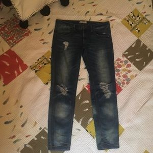 Free people distressed jeans size 27