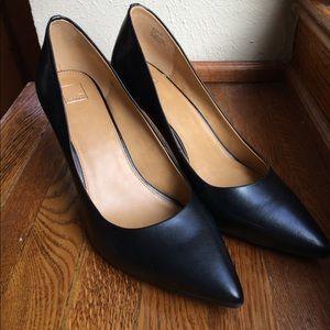14th & Union Black Heels!