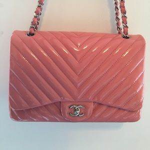 Chanel Pink / Rose Chevron Jumbo SHW, Authentic