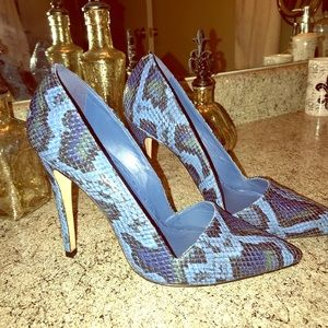 Alice And Olivia Blue Croc Embossed Leather Pumps
