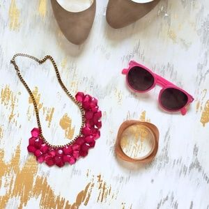 Jewelry - Magenta and Gold Statement Necklace