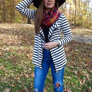 Sweaters - Black & White Stripped Cardigan