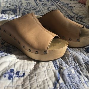Kelsi Dagger wood base platform wedges