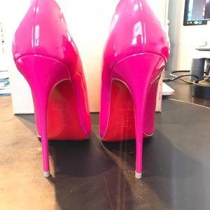 bacaafc10b5 Christian Louboutin Shoes - So Kate Christian Louboutin rose pink