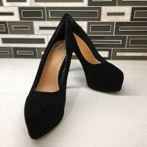 Kelsi Dagger 7 1/2  heels