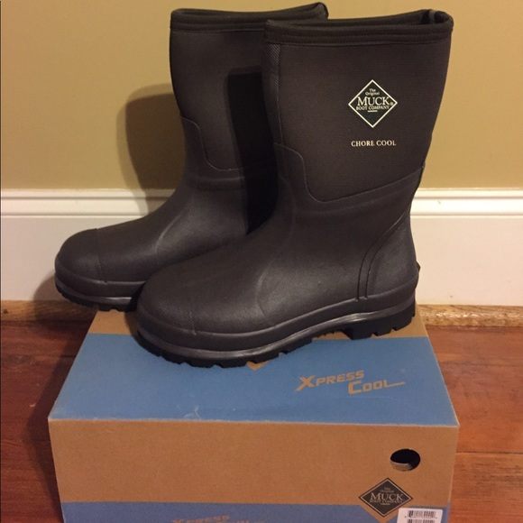 8df55c96752 NEw in box Chore cool mid Muck Boots NWT