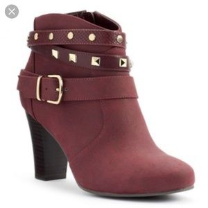 Maroon with gold Jennifer Lopez ankle booties