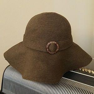 Accessories - NWOT-BROWN FLOPPY SUN HAT