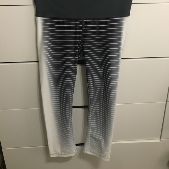 88666b6ccde834 GAP Pants | Fit Striped Ombre Cropped Leggings | Poshmark