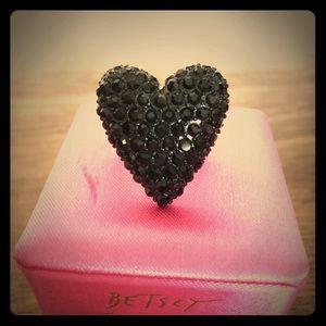Betsey Johnson Black Heart Rhinestone Ring size 8