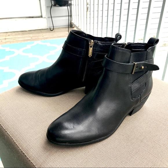 0ce790d3d EUC Sam Edelman Leather Ankle Boots. M 5a00e0a8522b45780a140ced