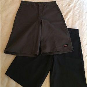 Bundle of two pairs of Men's Dickies Shorts Sz 32