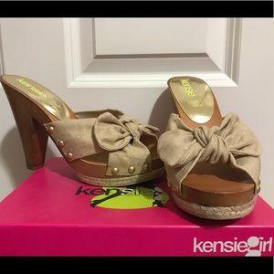 Kensie Girl Gold Sparkle Linen heels
