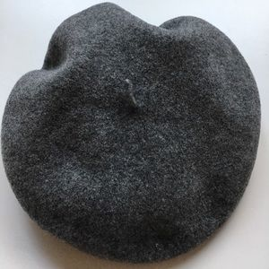 Kangol Accessories - New beret KANGOL 100% pure wool sz S
