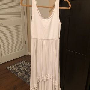White and lace maxi