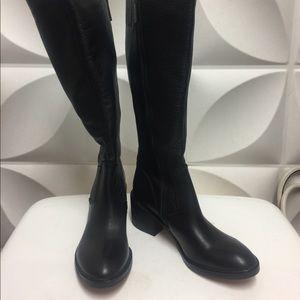 Donald Pliner black boots
