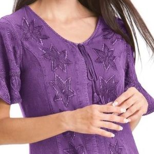 🎉HP🎉 Tunic Embroidered Detailed. Blouse Top