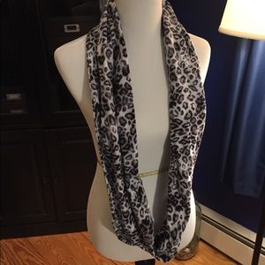 Accessories - Animal print infinity scarf
