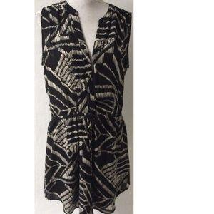 Dresses & Skirts - Black & White Dress Size Medium