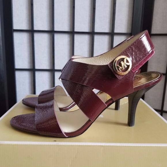 26fdc0eb8c8 Michael Michael Kors Women s Sandal 9 M