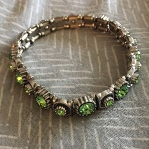 Jewelry - Very cool green elastic bracelet