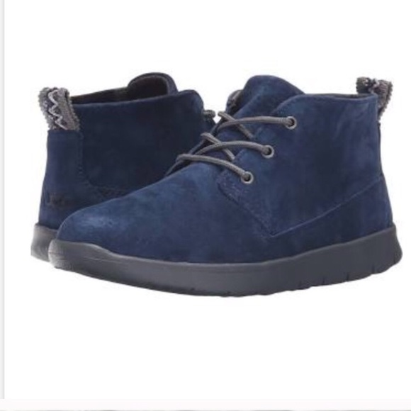 blue uggs boys