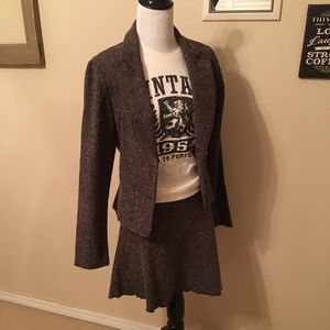 Twenty one tweed suit , med, never worn