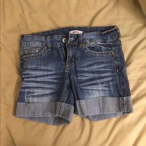 Low-rise, Midi jean shorts