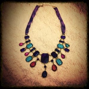 Stunning Gold Statement Necklace w Metallic Pieces