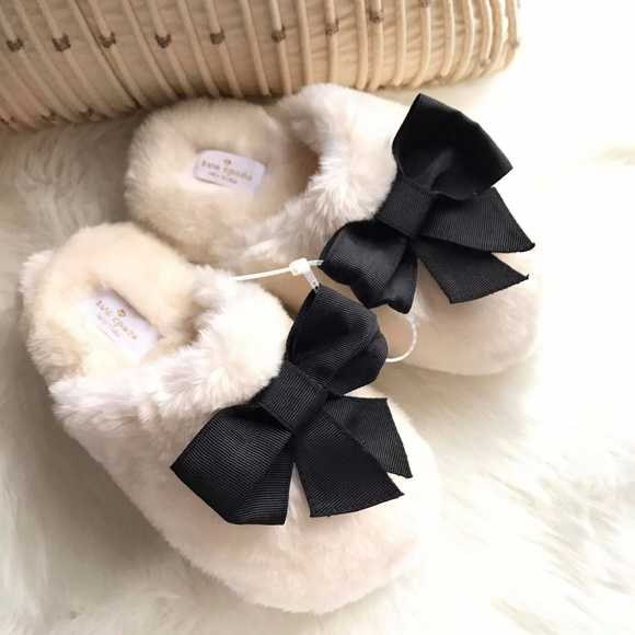 3aa10100e56c Kate Spade New York Bali Cream Faux Fur Slippers. M 5a0125eda88e7d74540007ed