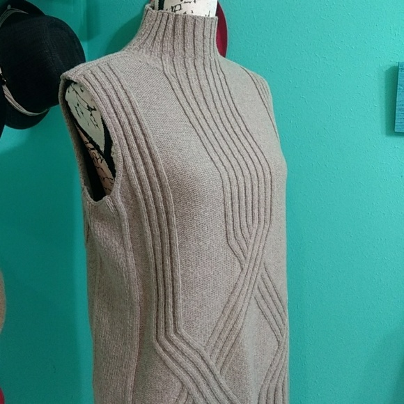 Lafayette 148 Sleeveless Wool Sweater Buy Cheap New Arrival Cheap Sale Clearance Store Discount Fast Delivery 7AX1Mq