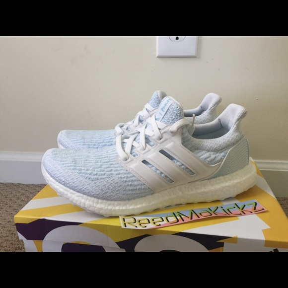 86f543f4e8964 Adidas ultra boost 3.0 Parley white icey blue
