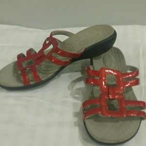 Privo sz 7.5 red leather sandals
