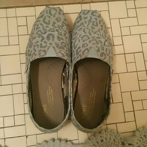 Powder Blue Leopard Print Toms