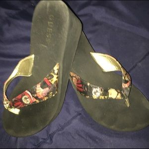 Great condition Guess FlipFlops