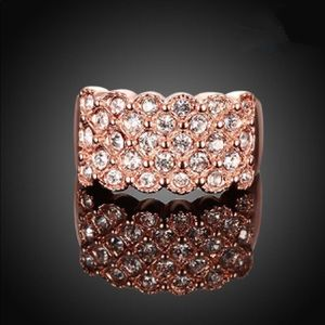 Jewelry - Five Rows Crystal Ring - Rosegold Plated