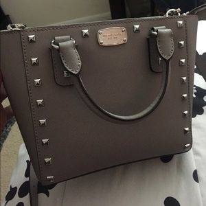 Excellent Condition: Michael Kors Pearl Grey Bag