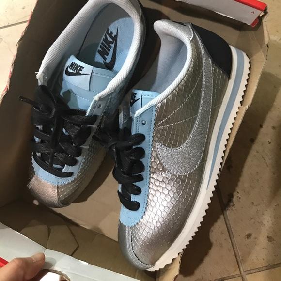 huge selection of 75739 25dd3 Nike cortez lether 37