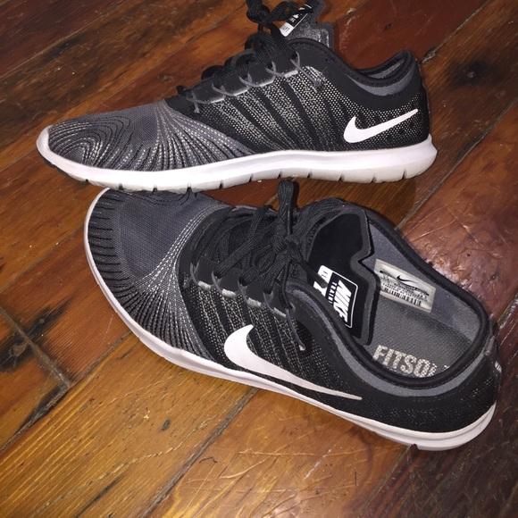 Nike Shoes - Nike training flex adapt shoes
