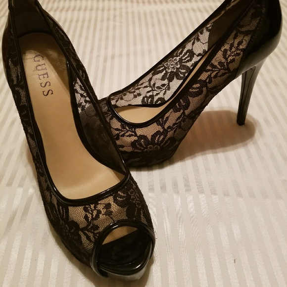 ad22a5a5c57 Holiday Party Guess Gaminata Heels