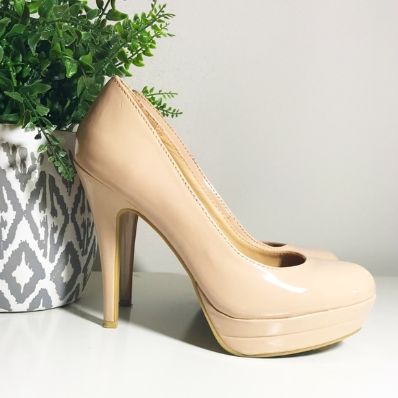 fc13c850333a LC Lauren Conrad Shoes - LC LAUREN CONRAD nude platform heels size 8