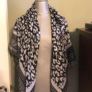 Accessories - NWT black & cream animal print blanket scarf