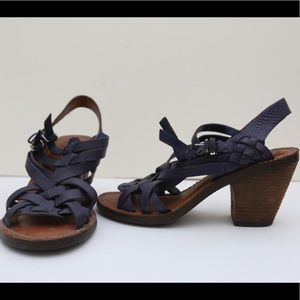 Lucky Brand strappy purple braided leather sandal